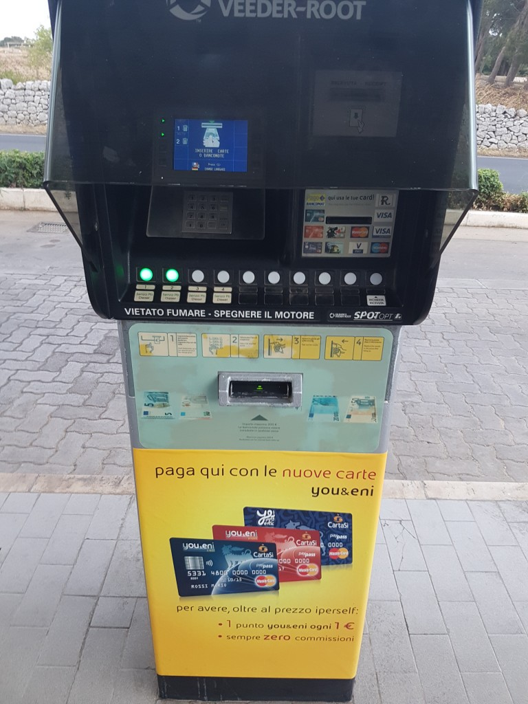 paying at an italian gas station